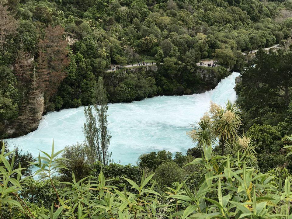 huka-falls-lake-taupo-new-zealand