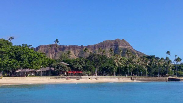 Diamond Head State Park has a lot of amazing hiking opportunities, and is one of the best places to hike in Honolulu!