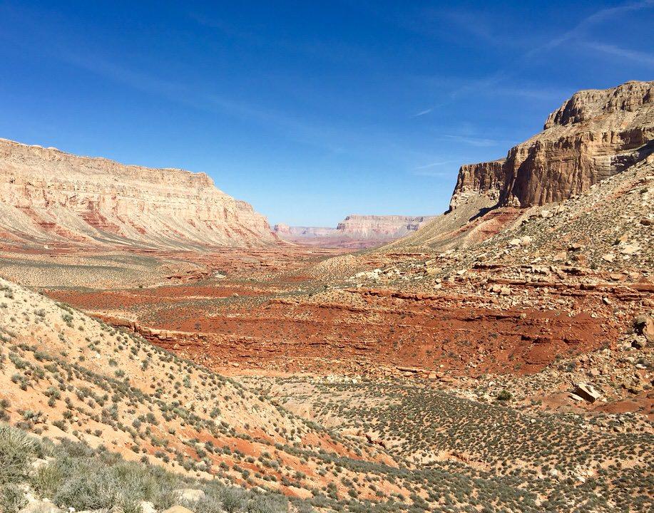 The beautiful desert Arizona canyons along the hike to Havasu Falls