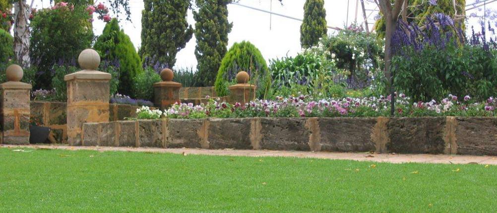 Velvetene lawn on display