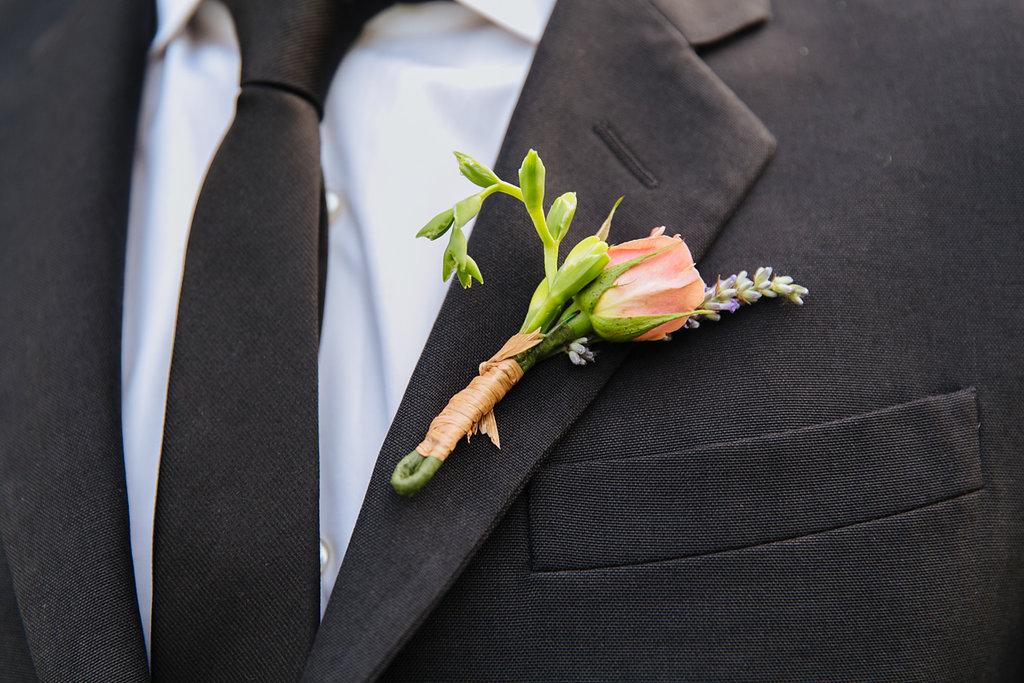 Tall & Small Events NYC, E+A- Pregnant bride surprise wedding cakegender reveal. Modern,non-denominational, garden weddingat Wainwright House, Rye NY.Photo: Tory Williams Photography