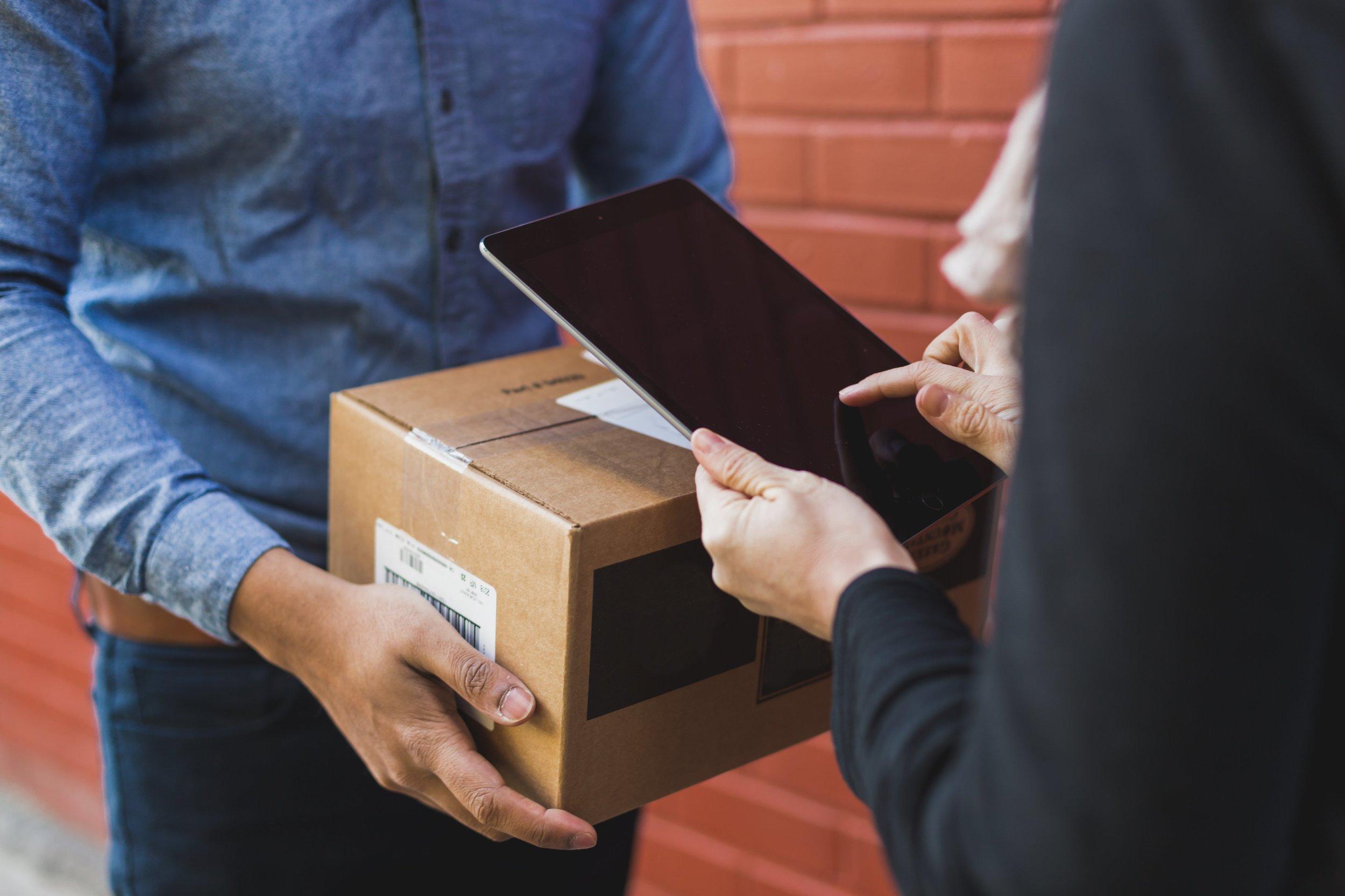 receiving-shipping-box-on-ipad.jpg