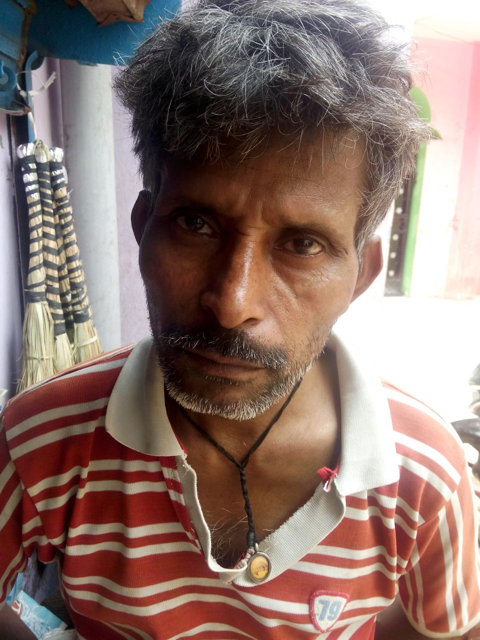 Meet Anil. He is 41 years old and suffers from alcohol abuse. He tells us his father and grandfather both drank heavily. He also tells us his brother died from liver failure, caused by drinking.
