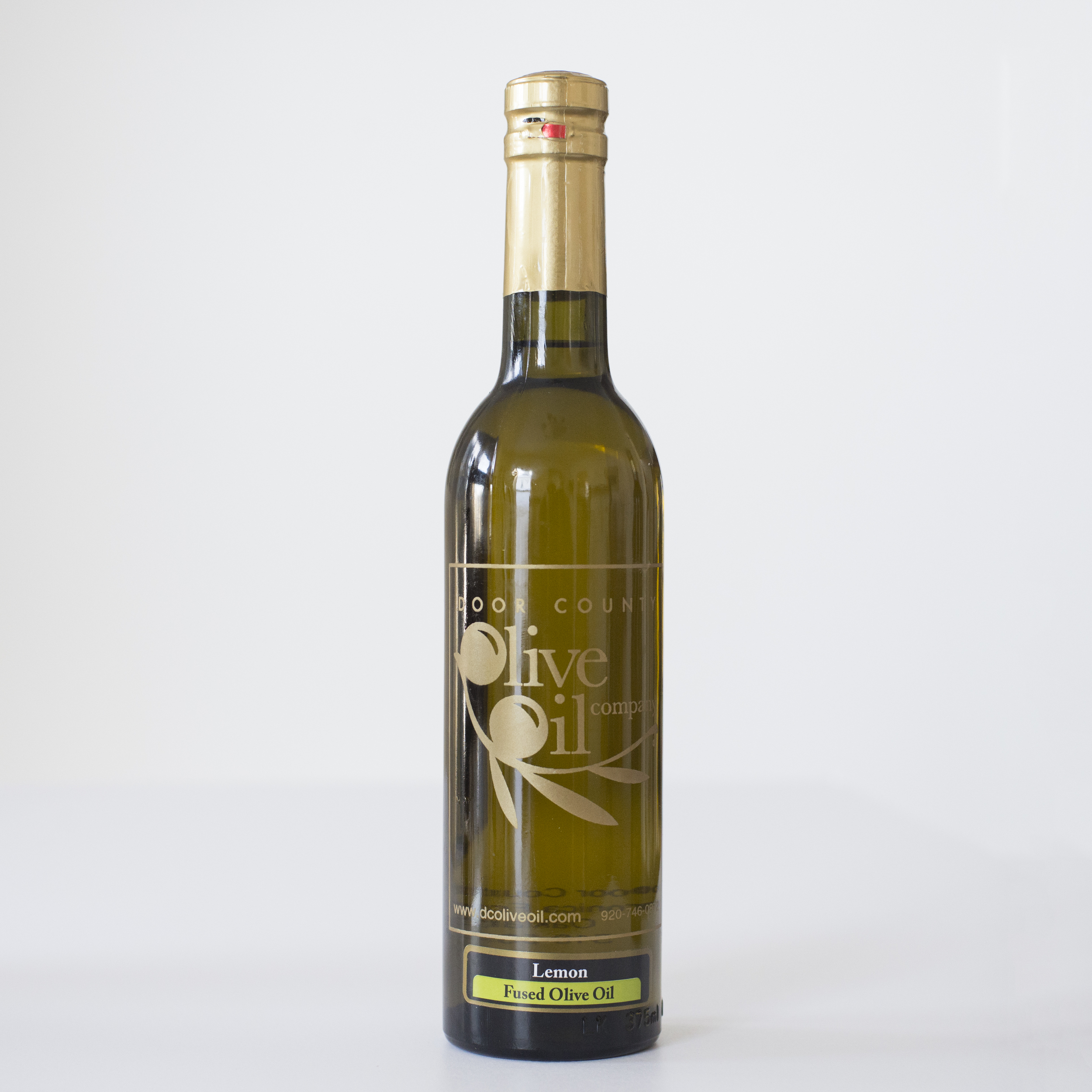 Meyer Lemon Olive Oil     Meyer Lemons are crushed together with fresh hand-harvested olives to make this amazing extra virgin olive oil.   Perfect for pasta, chicken, fish or salads. Try drizzling our Meyer Lemon Olive Oil over fresh asparagus or green beans.