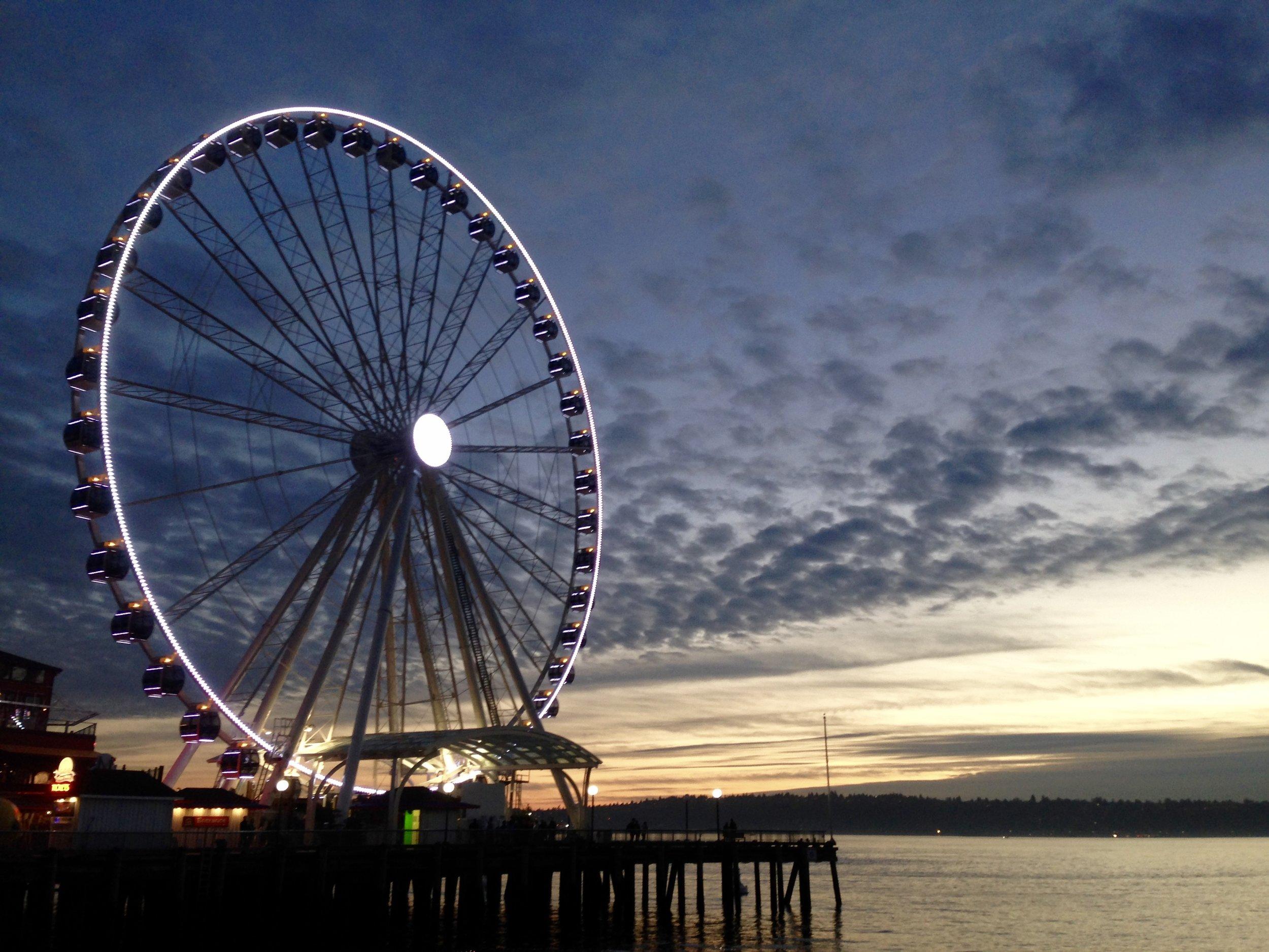 Seattle sunset. Photo by Gabriel Manzo.