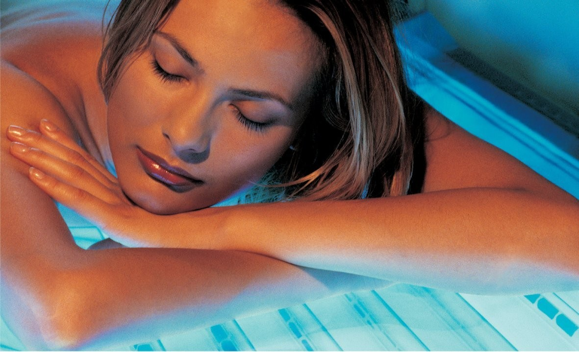 FREE EXTRA WEEK OF TANNING WITH PURCHASE OF 20% DISCOUNTED 1 MONTH UNLIMITED LEVEL 3- 6 or 20% Off MINUTES REGULARLY PRICED at $100 OR MORE. Minutes never expire! Must be purchased by 8/15/2019