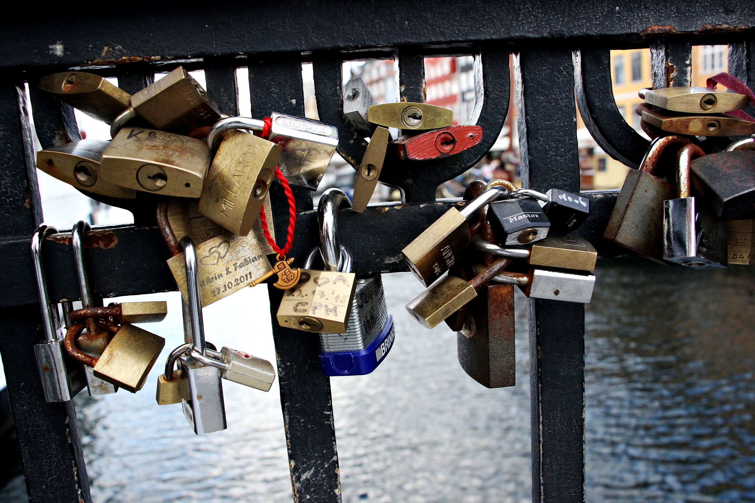 Keys latched on to the bridge that overlooks the famous waterfront.