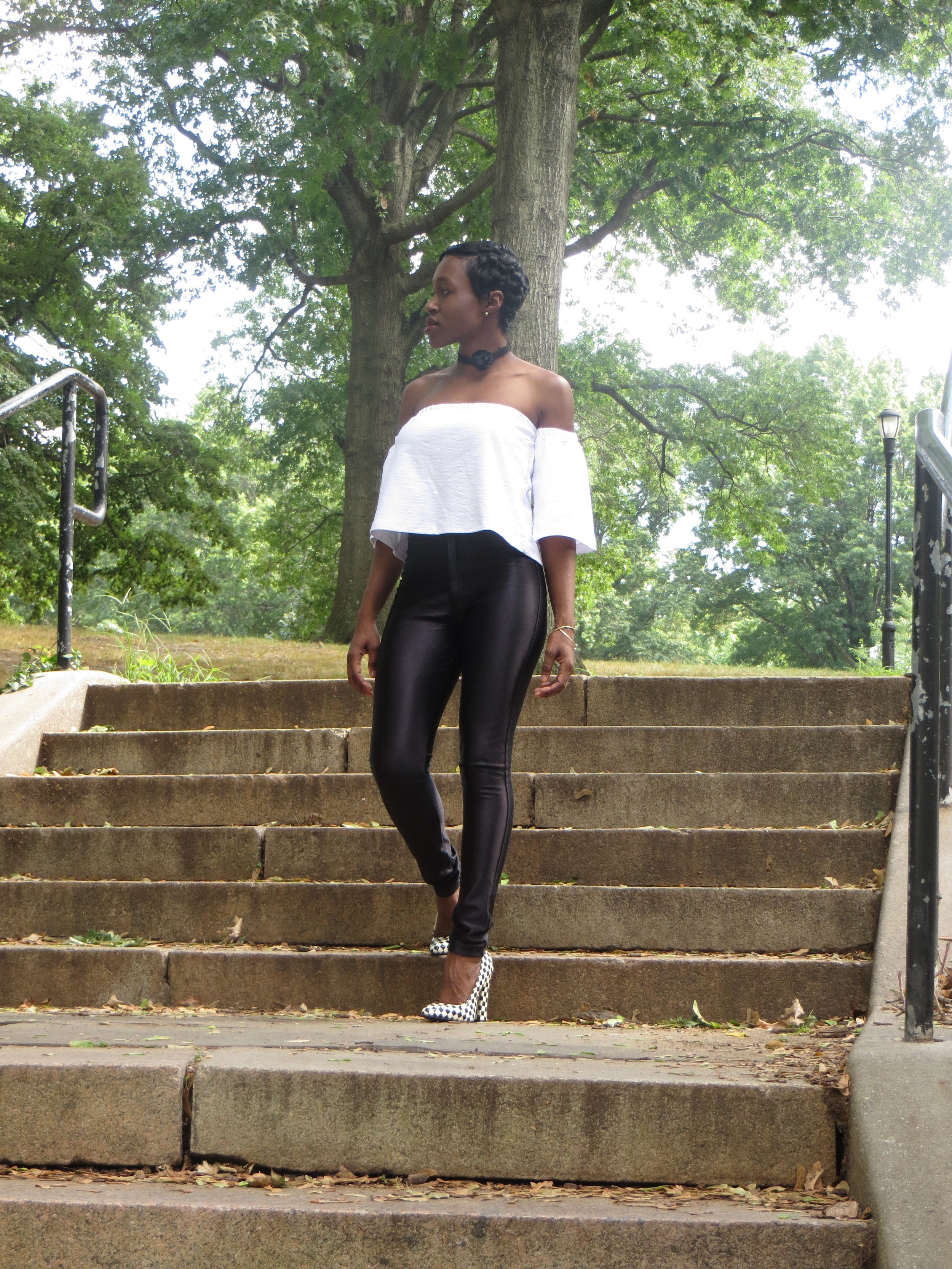 Top- H&M// High-waist Pants- American Apparel// Shoes- Modcloth// Choker- Forever21