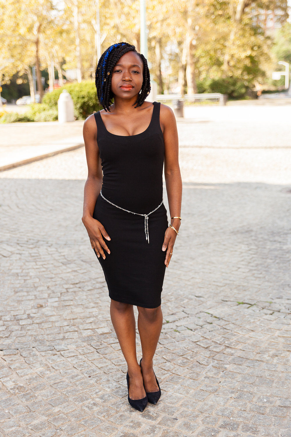 The Belt - The necklace has small weights at the end that keep it in place no matter how you style it. So don't worry about not having belt loops.Tie to your liking.This is a great addition to any dress to accentuate.