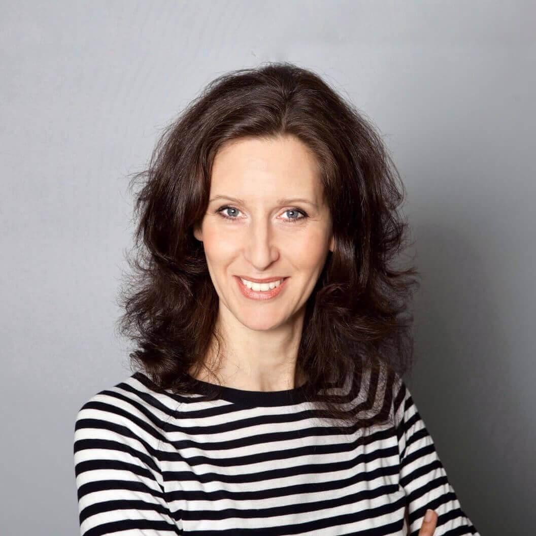 Ich bin Alexandra aka 'Contentessa' - und verhelfe Einzel-, Klein-Unternehmern, lokalen Geschäftsinhabern, Expertinnen, Beratern und Trainerinnen zu ihren modernen und aussagekräftigen Websites.