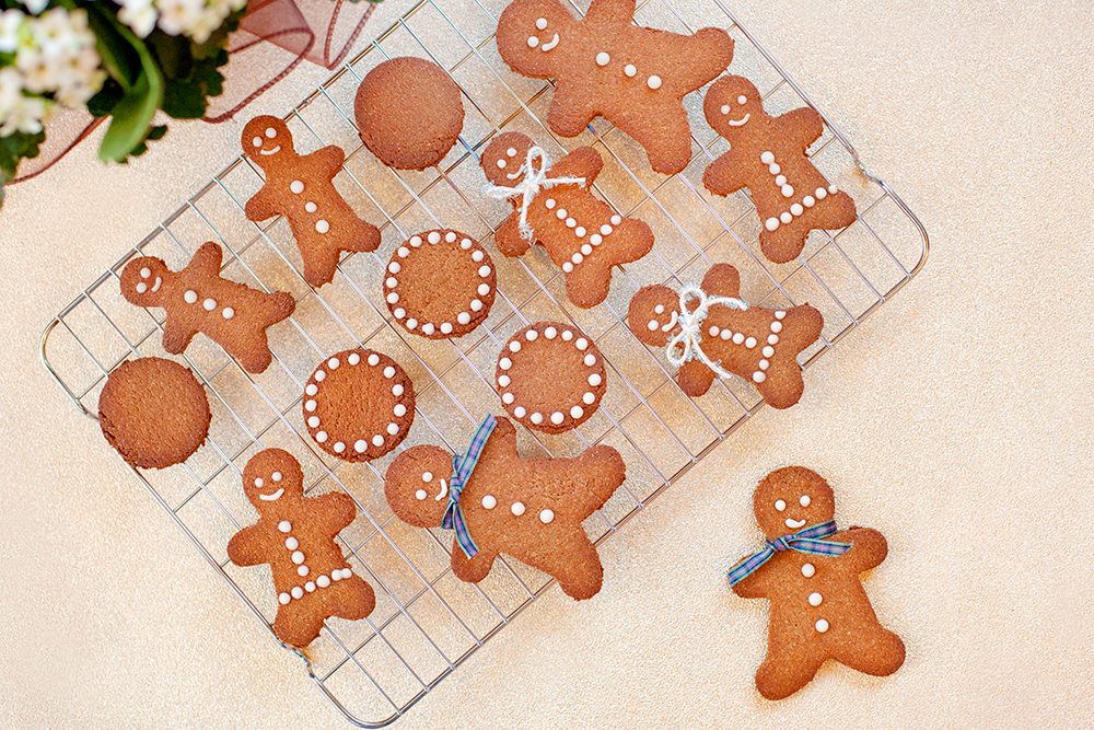 gingerbread men biscuits.jpg