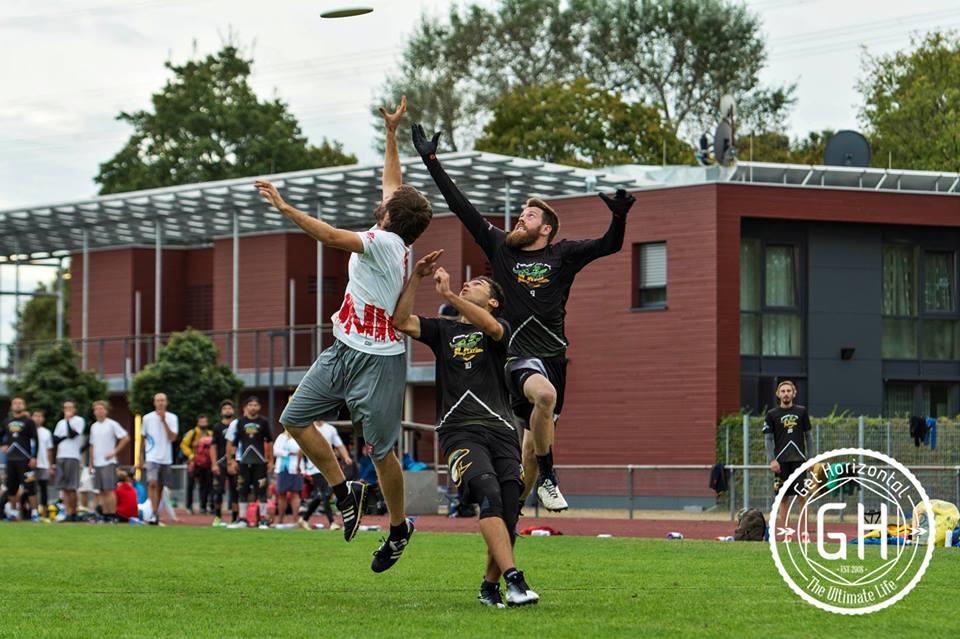 Benoît Spapens, yet again, dominating the air.