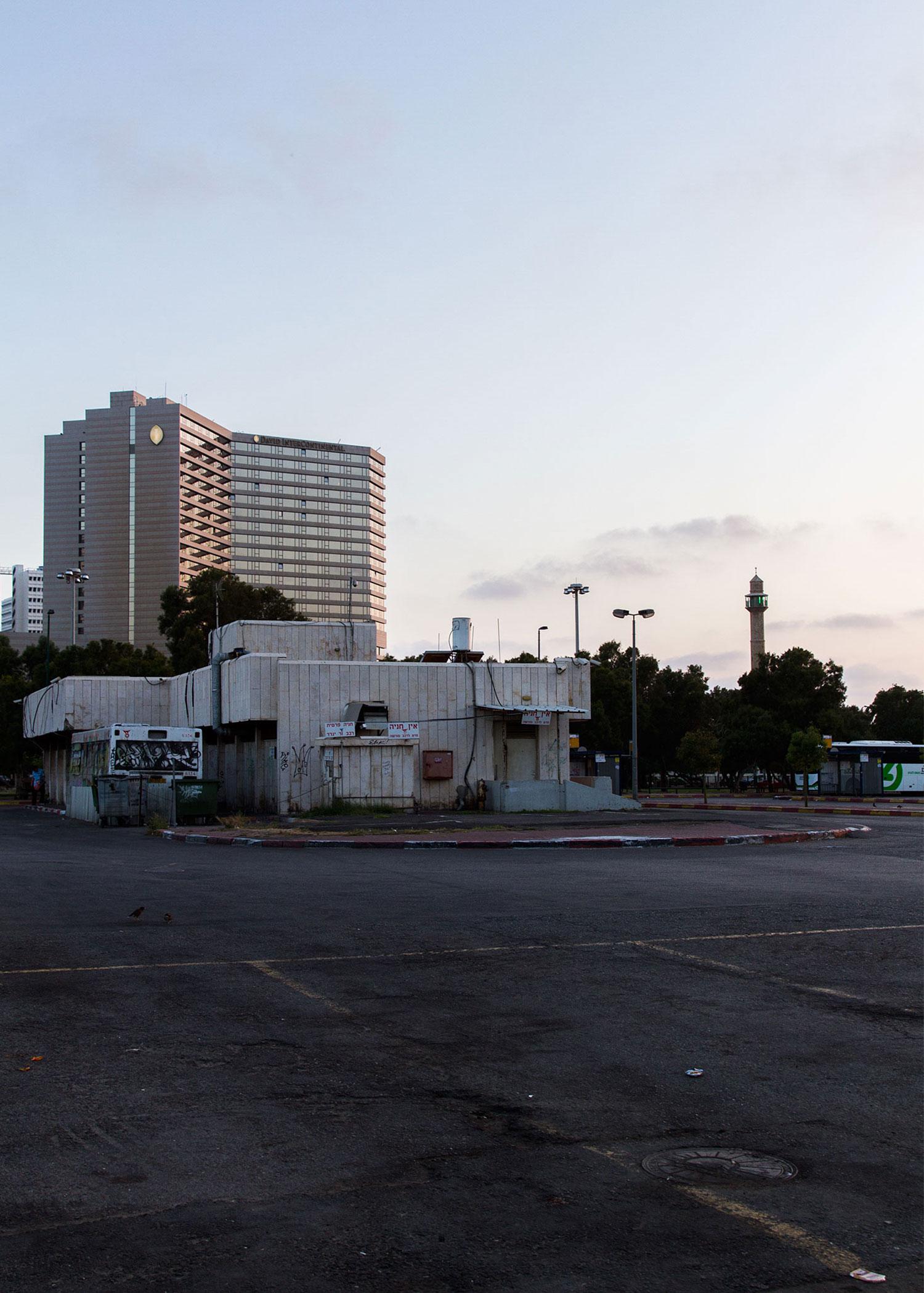 17_NOMNOM_Tel_Aviv.jpg