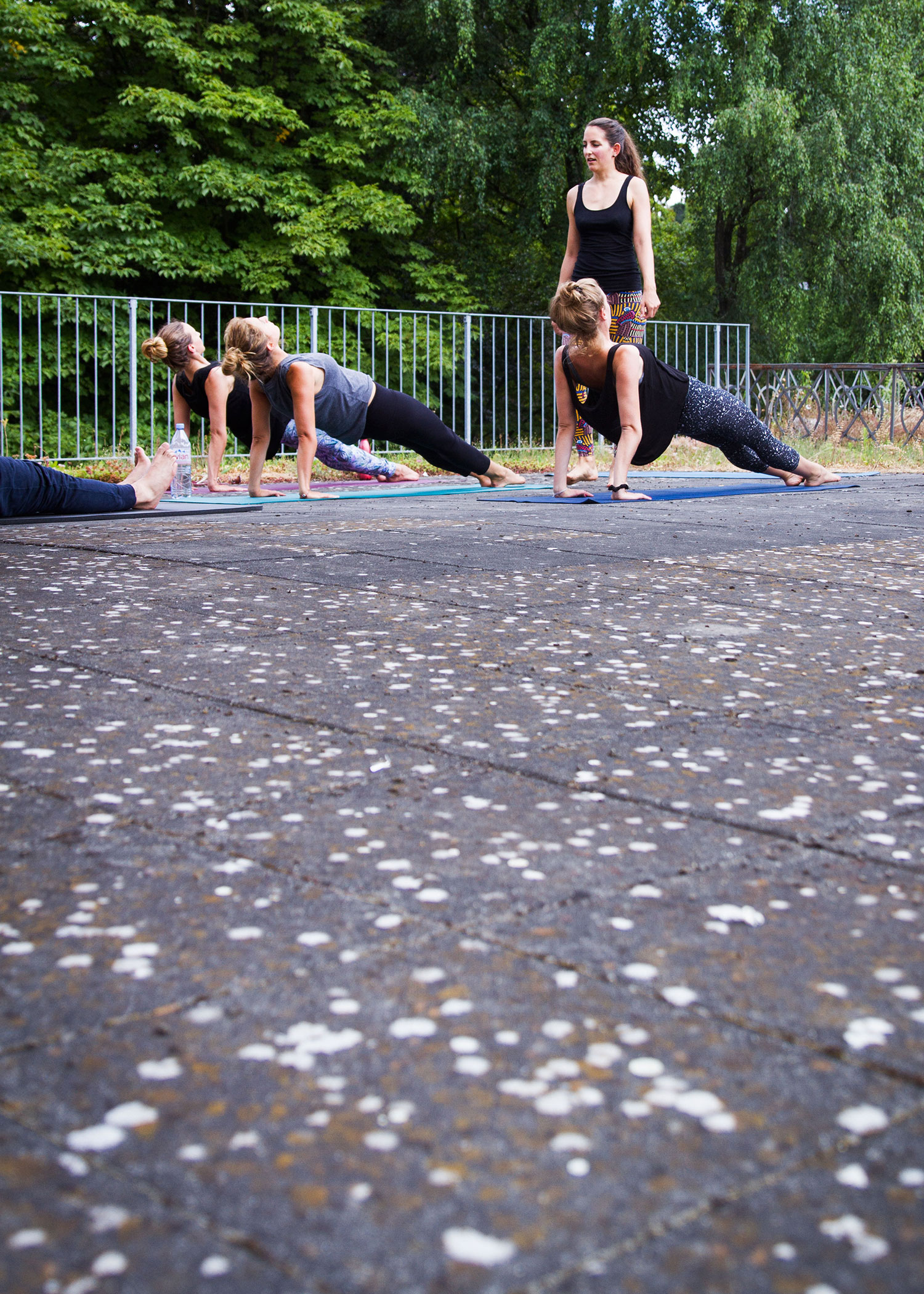 01_NOMNOM_Yoga_and_Brunch.jpg