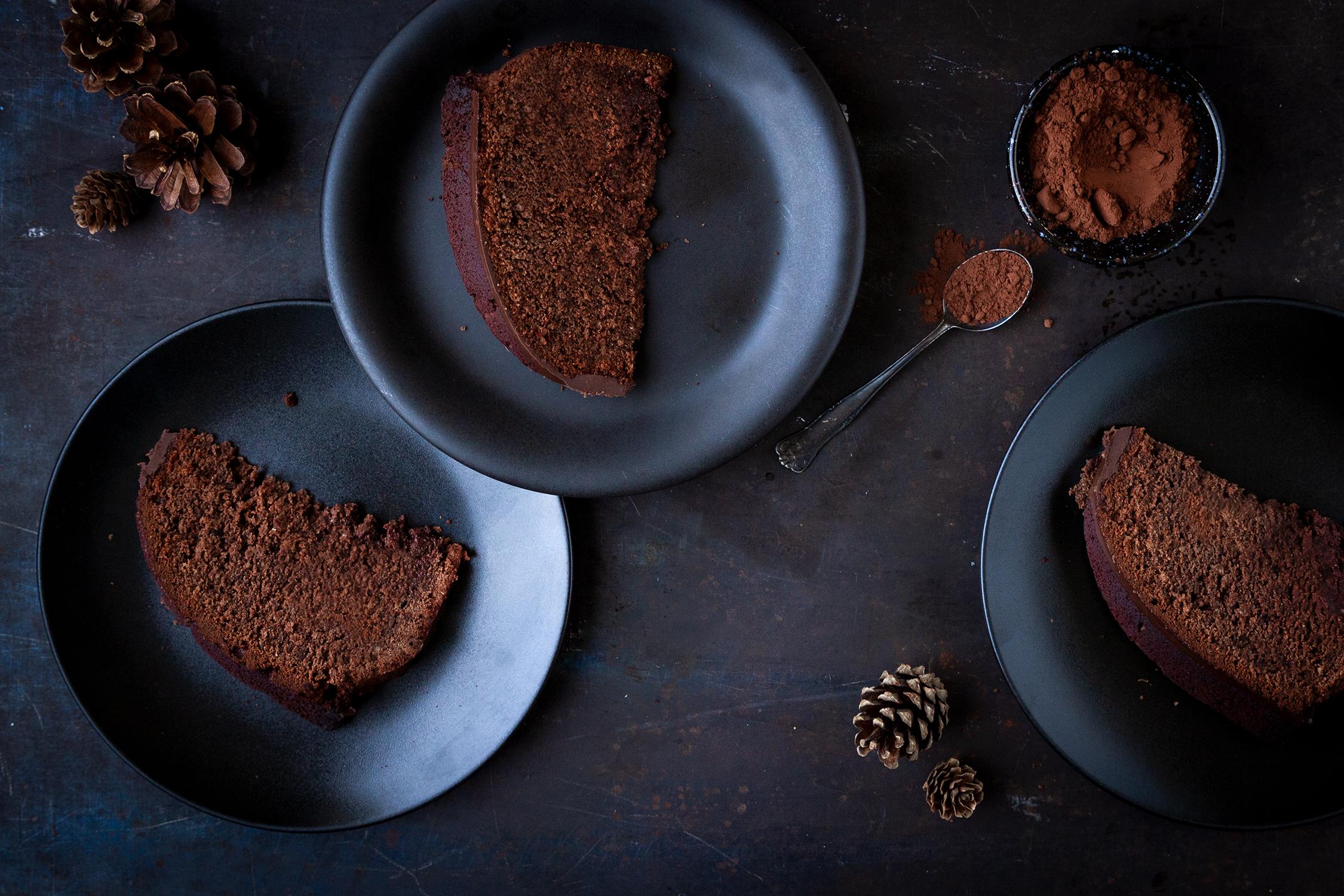 04_NOMNOM_Lebkuchen-Schokolade-Gugelhupf.jpg