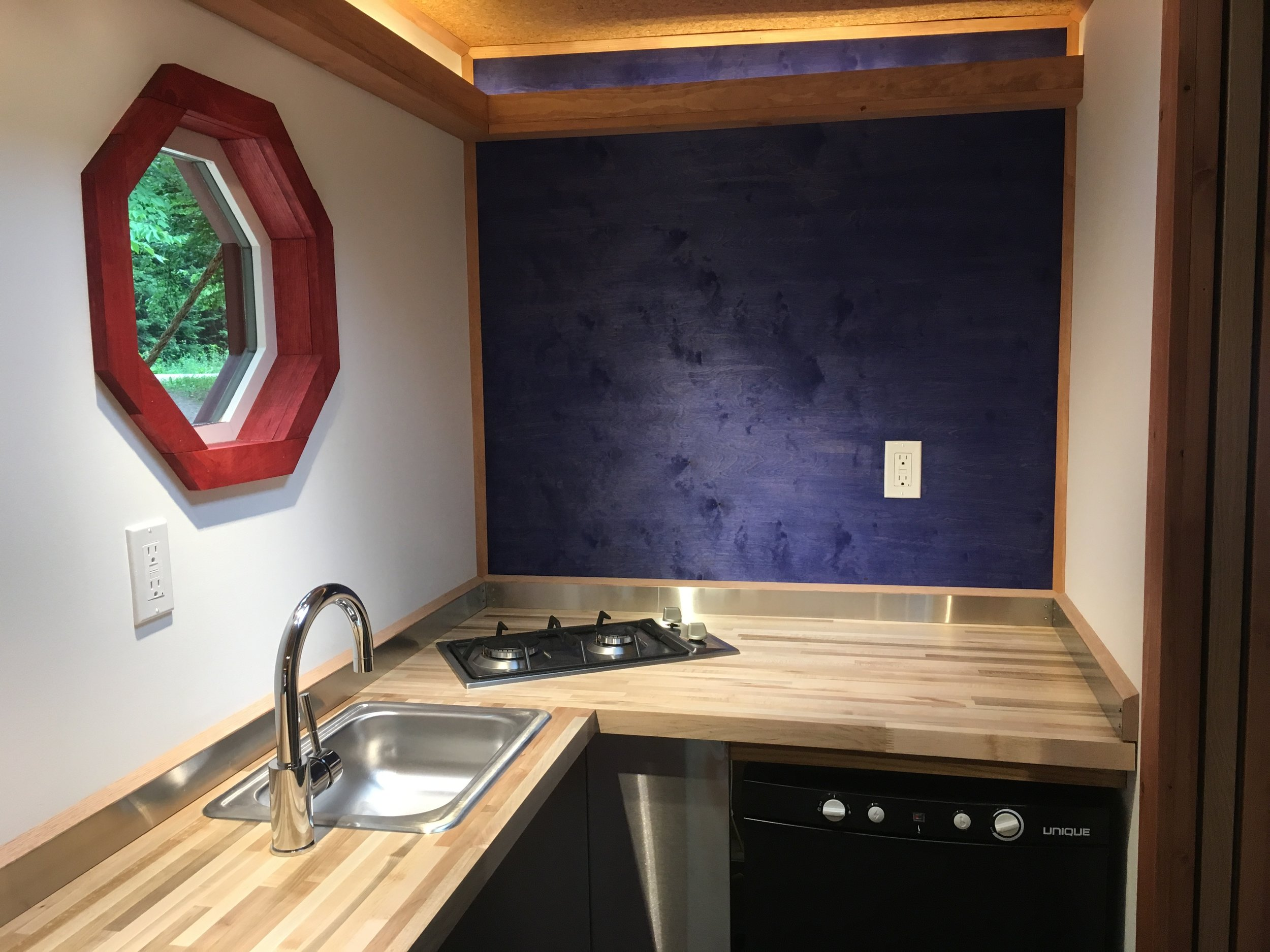 WhirlyHouse_kitchen.jpg