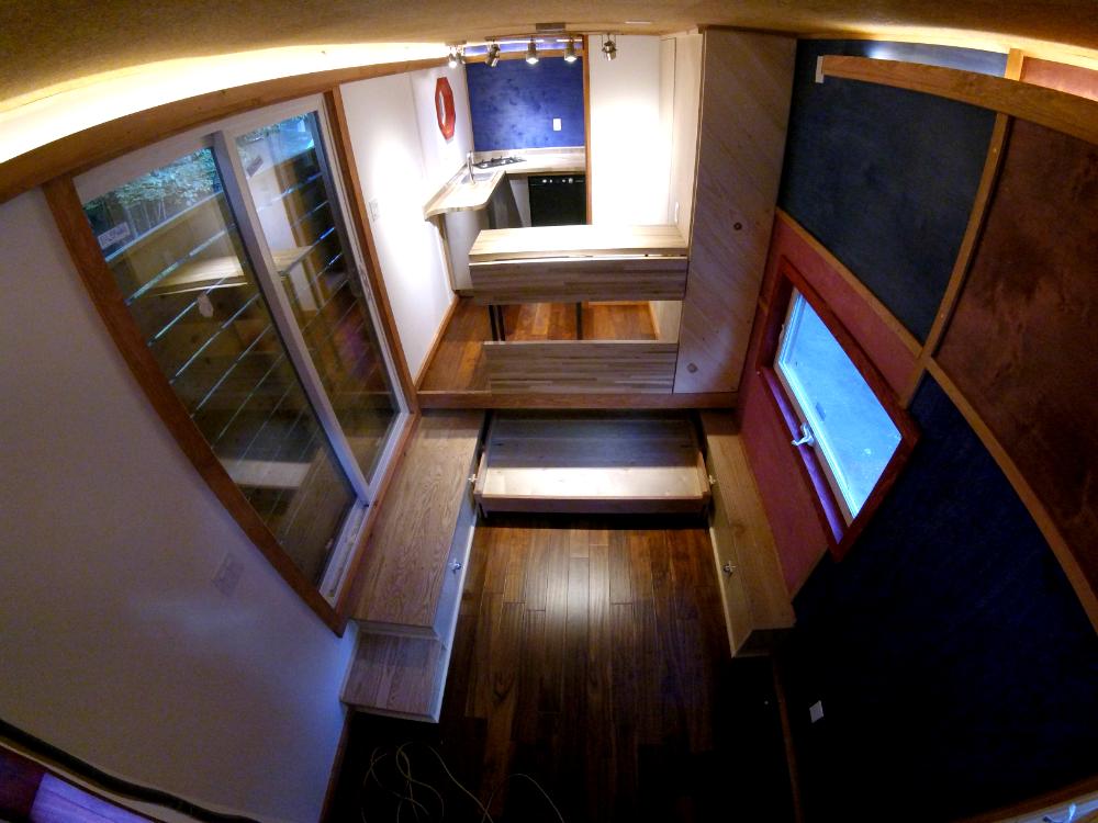 tinyhouse_whirly_interior