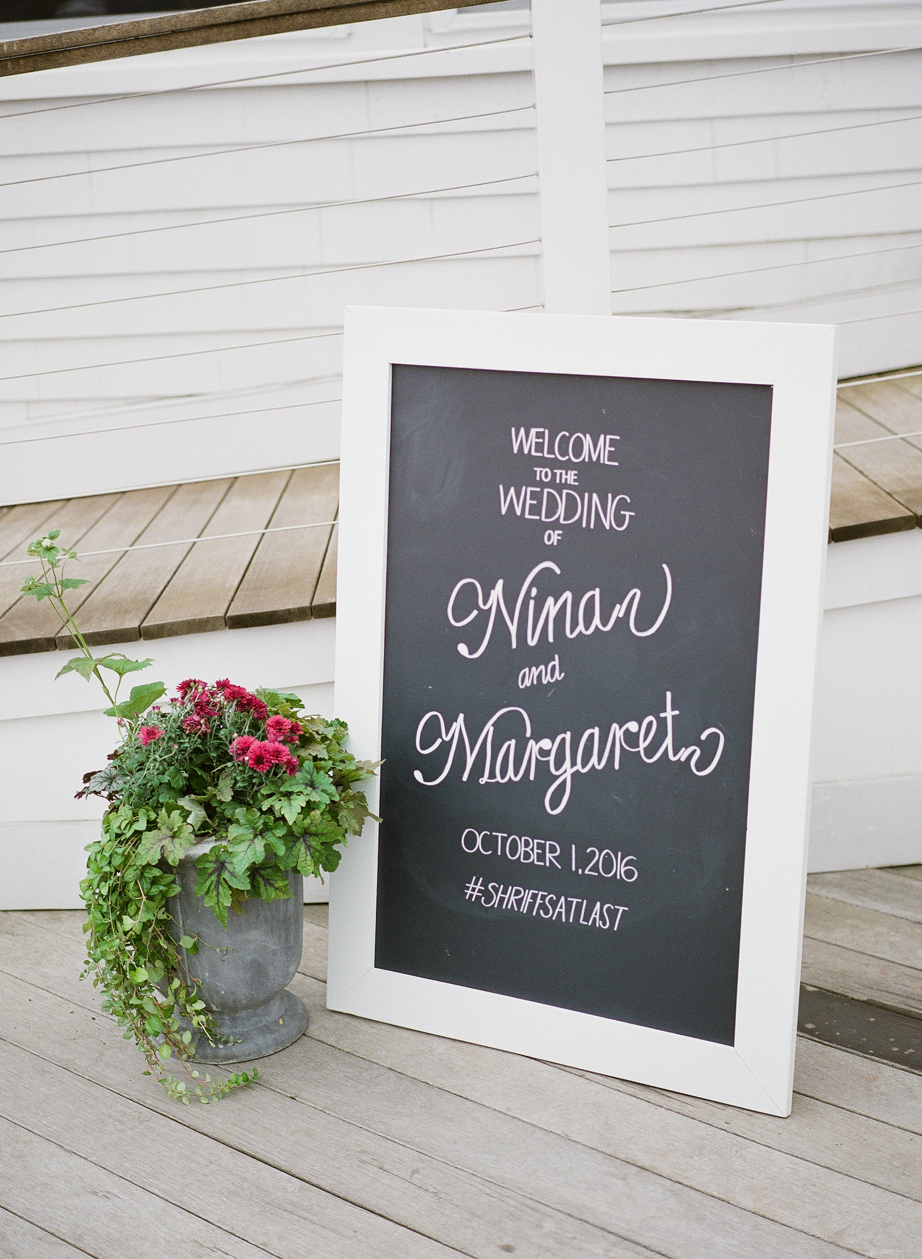 Watershed_Floral_Newagen_Southport_Maine_Coastal_Wedding_400.jpg