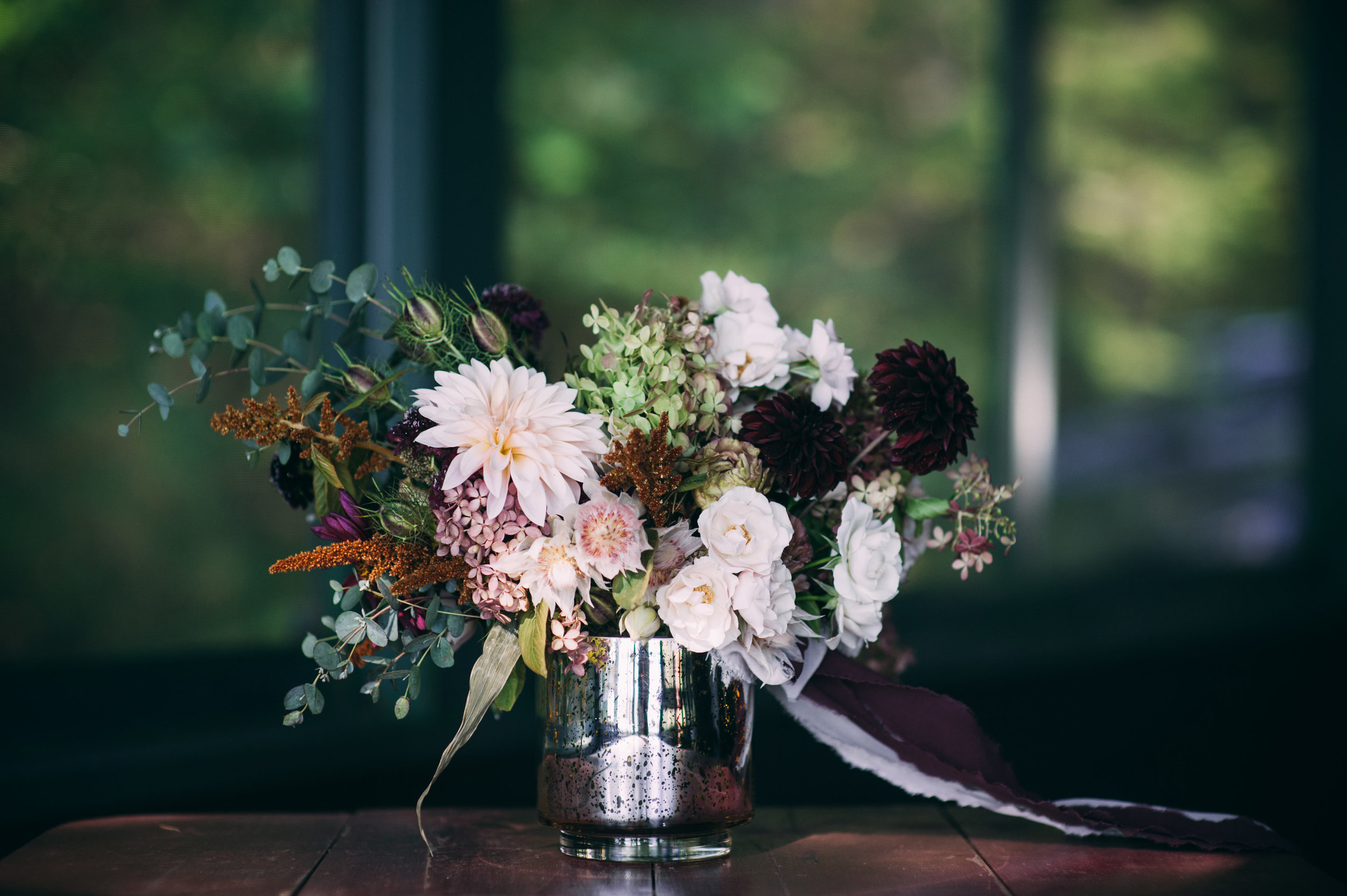Watershed_Floral_Migis_Lodge_Fall_Maine_Wedding_025.jpg
