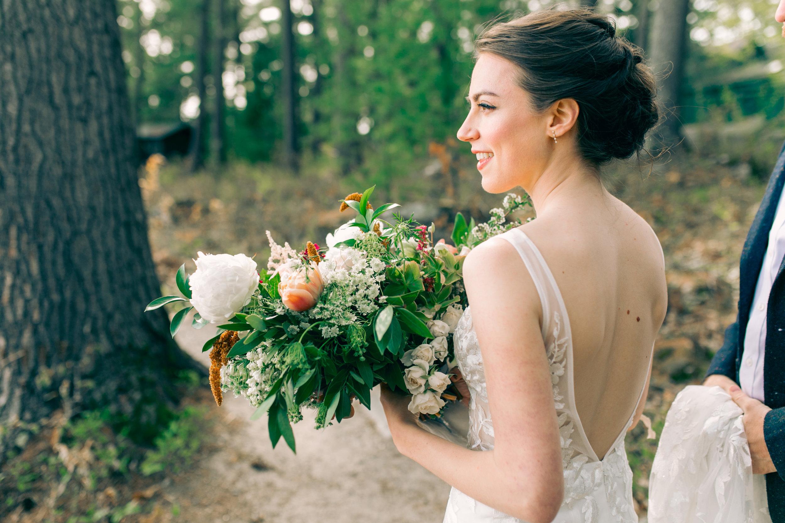 Watershed_Floral_Sarah_Jay_Migis_Lodge_Spring_Wedding_0343.jpg
