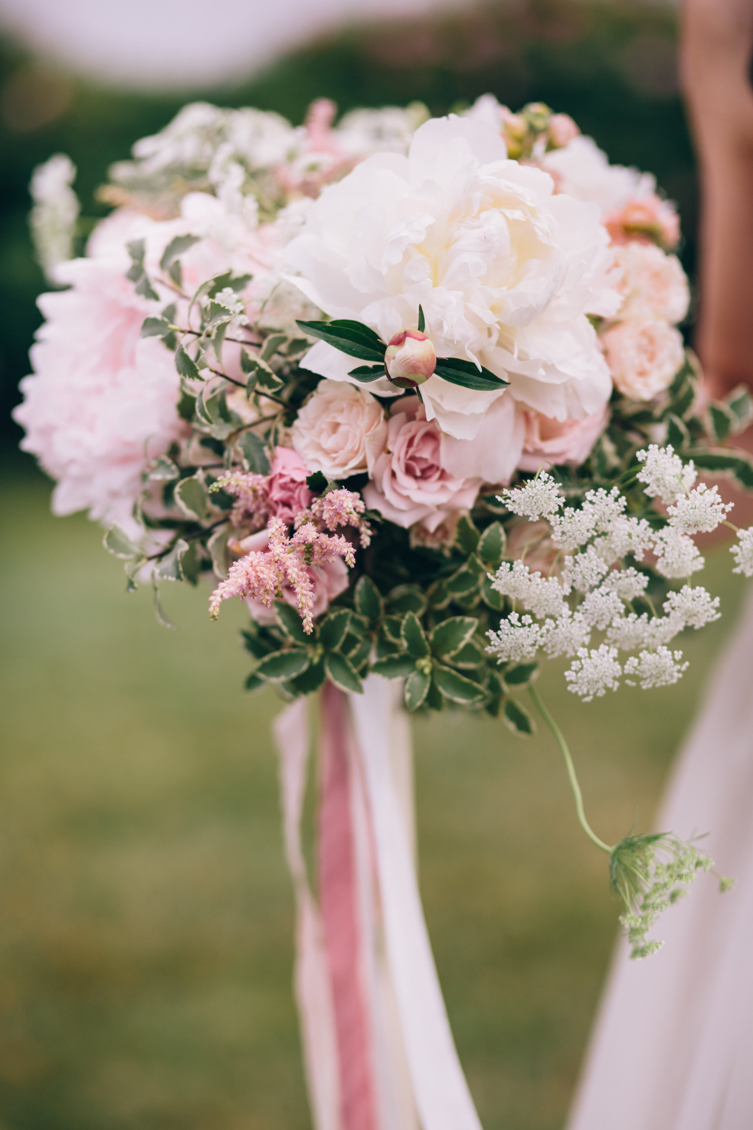 Watershed_Floral_Maine_Summer_Wedding_0692.jpg