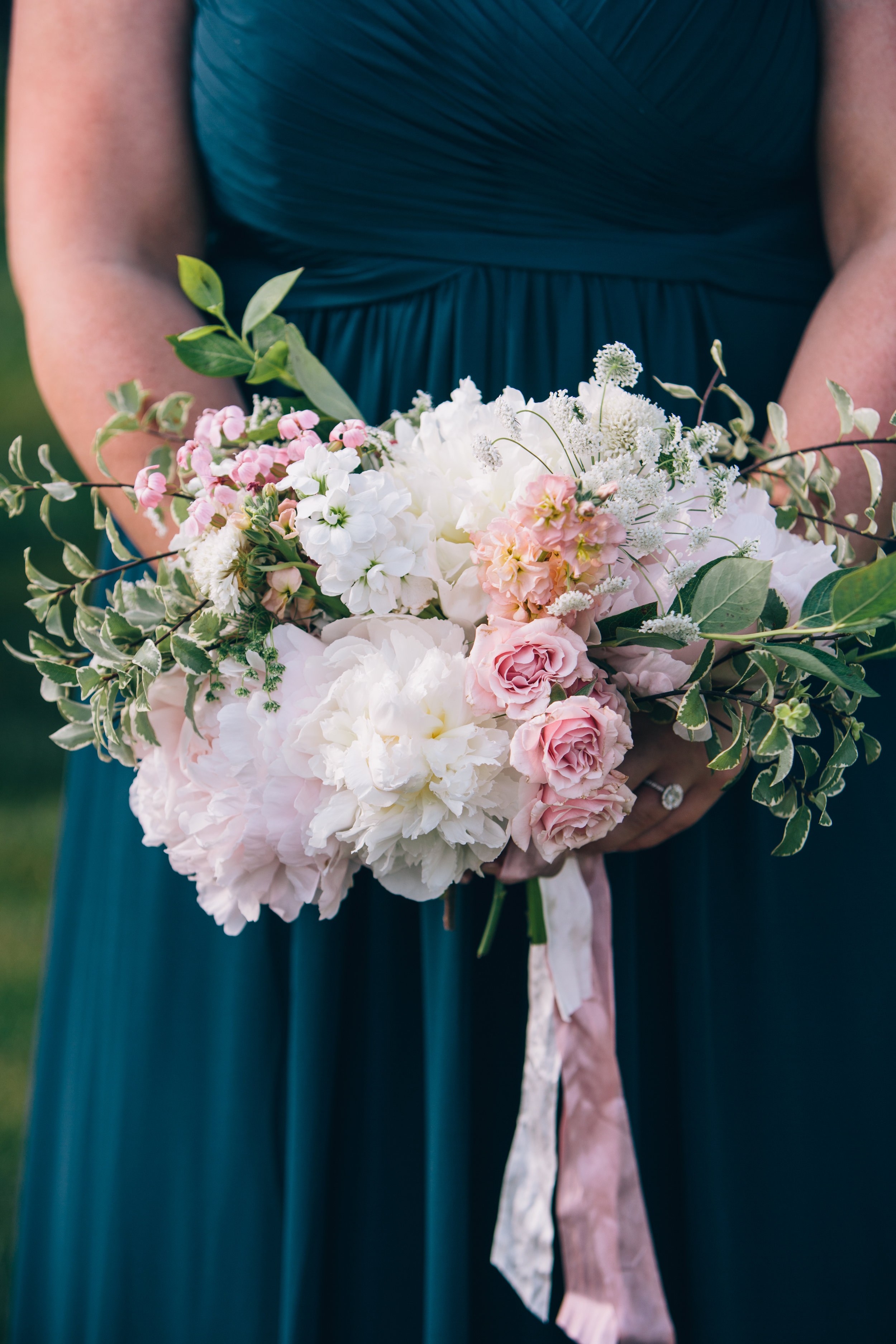 Watershed_Floral_Maine_Summer_Wedding_1039.jpg