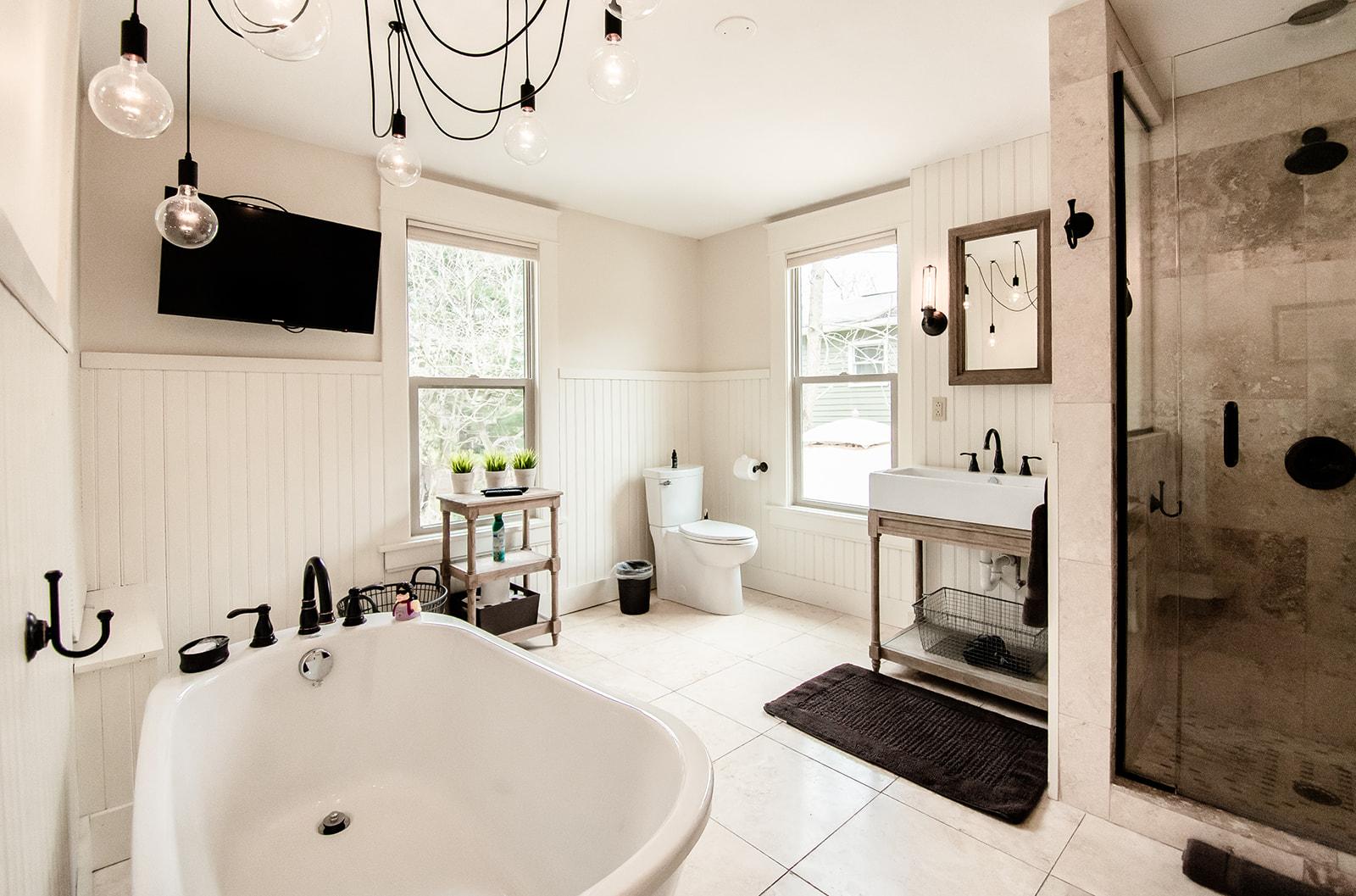 555 Bath 1.jpg