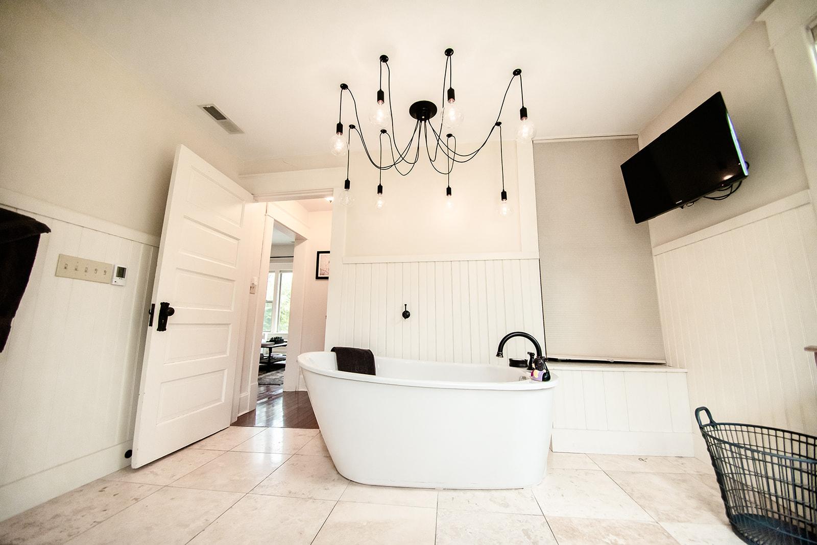 555 Bath 2.jpg