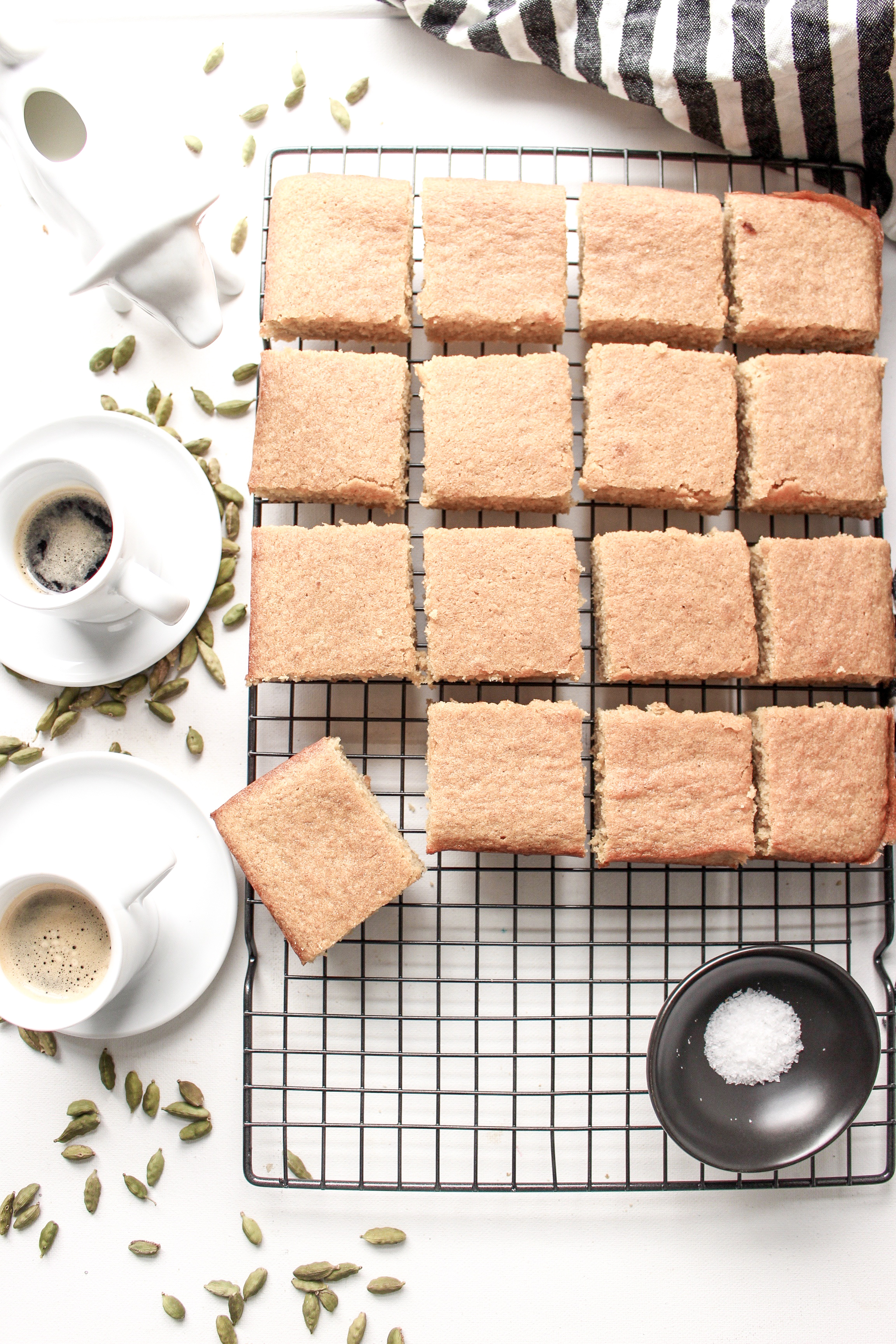 Coffee and cardamom blondies | Me & The Moose. These bar cookies are spiced, sweet, and dense, require one bowl, and are great for a crowd. #meandthemoose #blondies #coffee #cardamom #batchbaking #Christmasbaking #uniquedesserts #easydessertrecipes