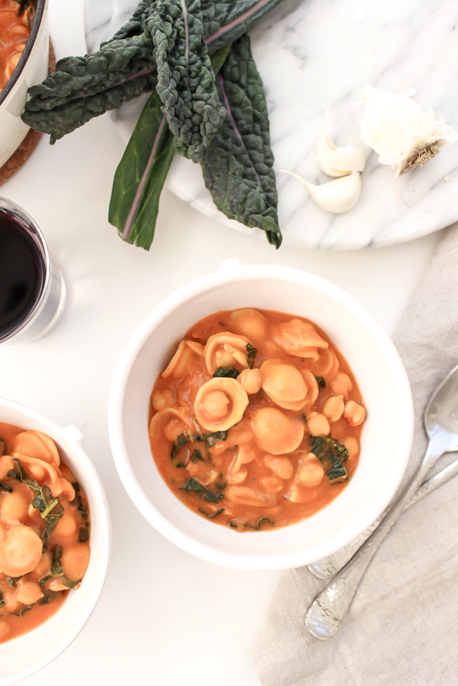 Pasta con ceci (and white beans) | Me & the Moose. This one-pot, 30-minute, vegan-optional meal is healthy, simple, cheap, and uses pantry staples that you likely already have. #meandthemoose #healthydinnerrecipes #30minutemeals #pastarecipes #veganrecipes #vegetarianrecipes