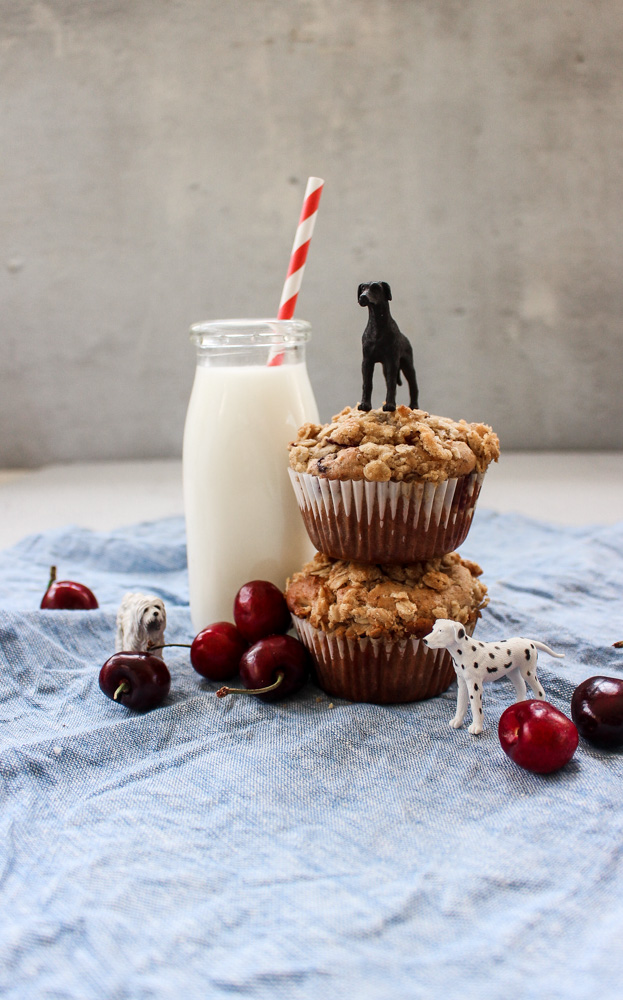 Cherry rye muffins | Me & The Moose. These muffins are just healthy enough without sacrificing flavor or texture and really highlight seasonal produce. #meandthemoose #cherryryemuffins #summerbaking #muffins #cherries #breakfast #healthymuffins