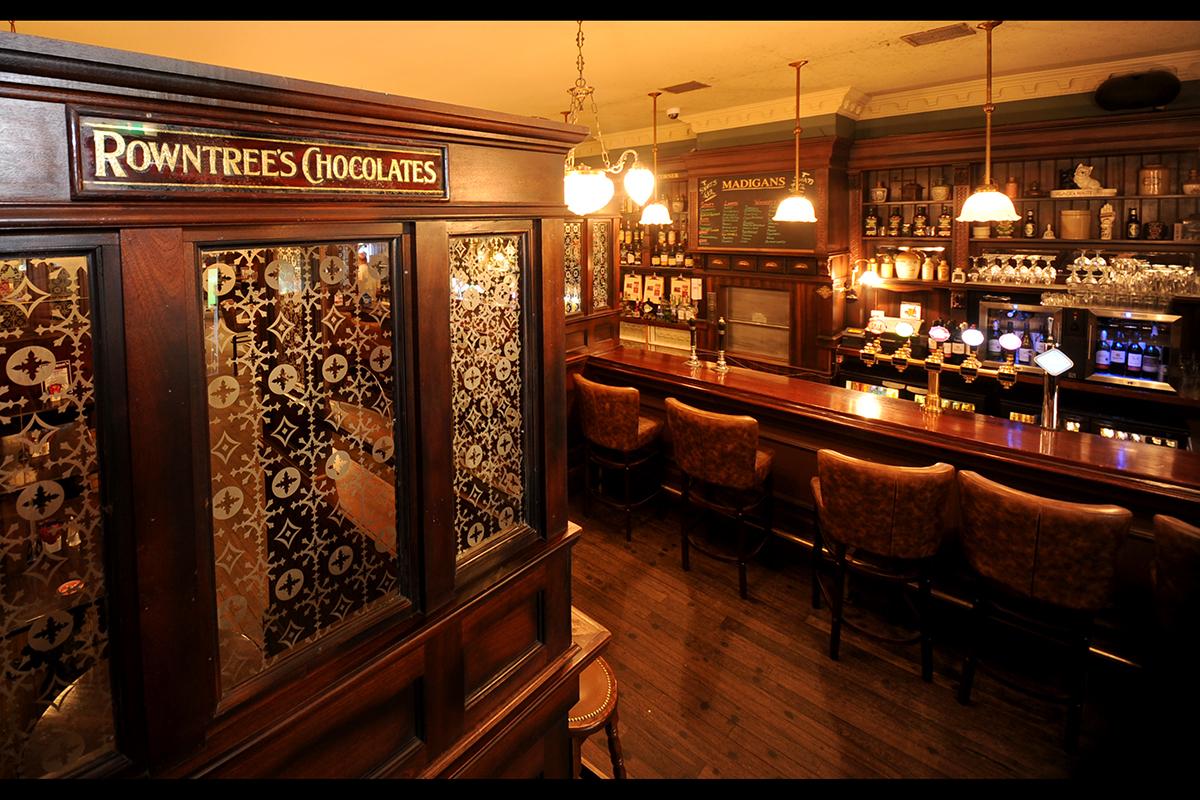2 Madigans O' Connell Street (Interior Front Bar) ©2015 Mick Langan 003.jpg