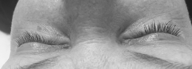 eyelash extensions top down view black and white