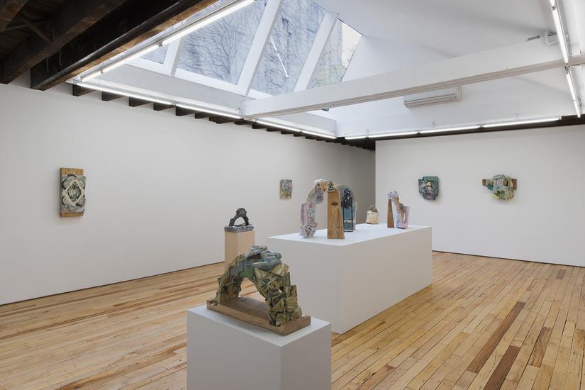 youngbuk-gallery-pedestals-2.jpeg