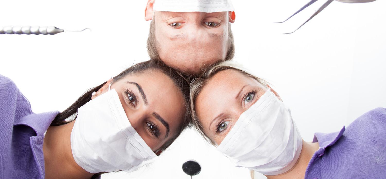 Imageportrait eines Zahnarzitteams