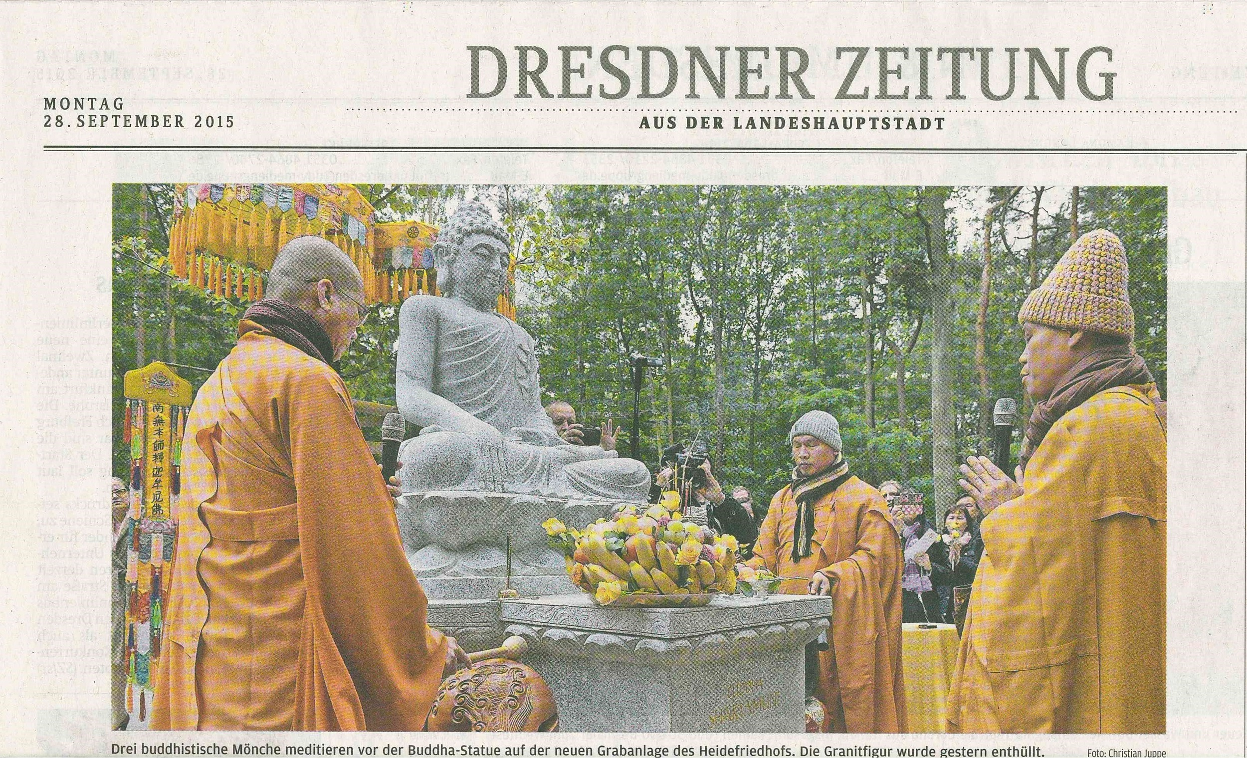 Dresdner Zeitung1 280915 .jpg
