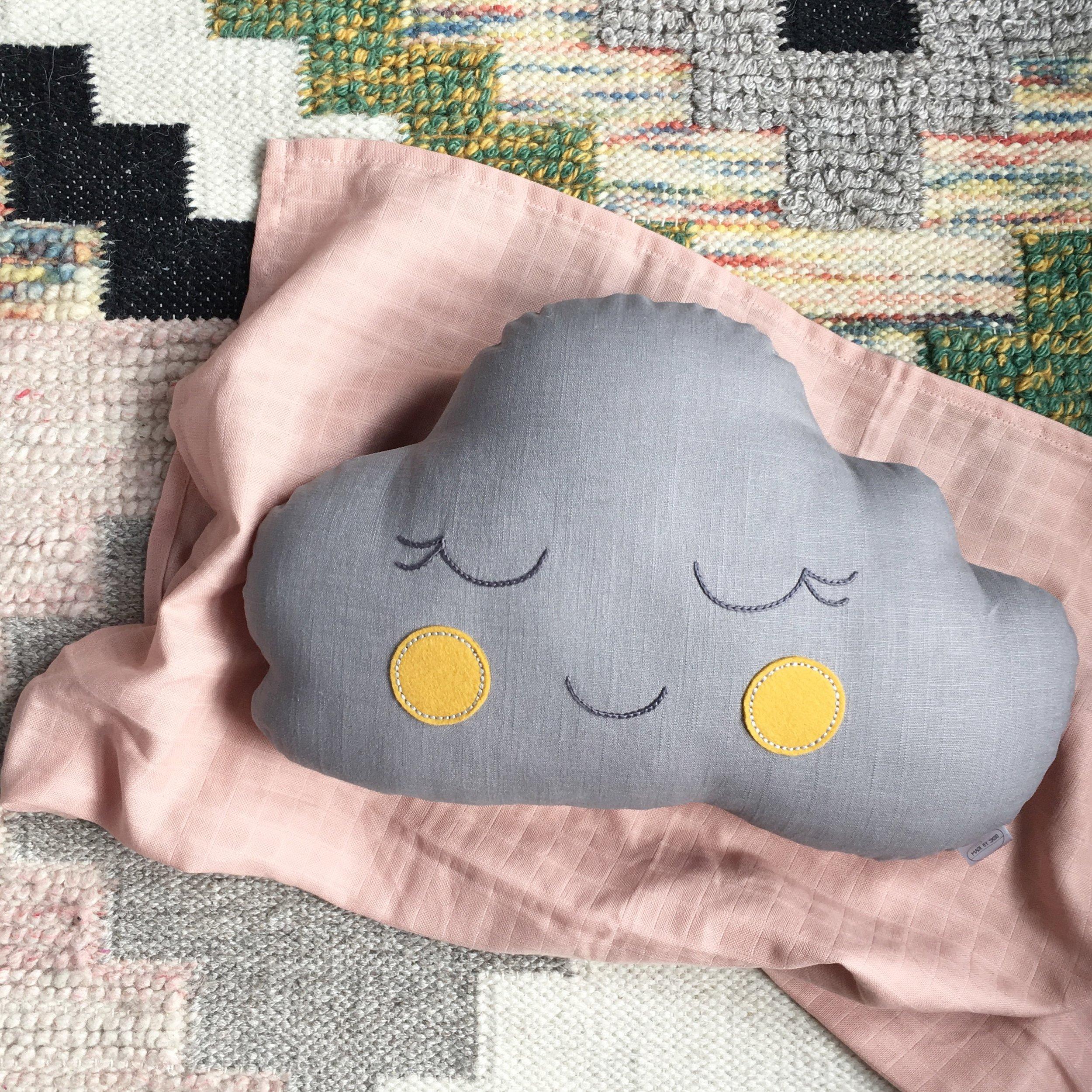 Grey Cloud with Mustard Cheeks