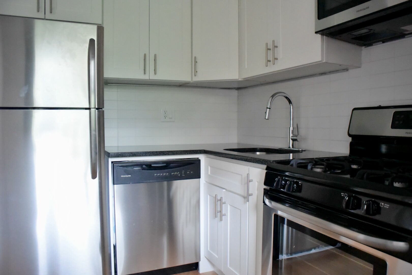 6L Kitchen.jpg
