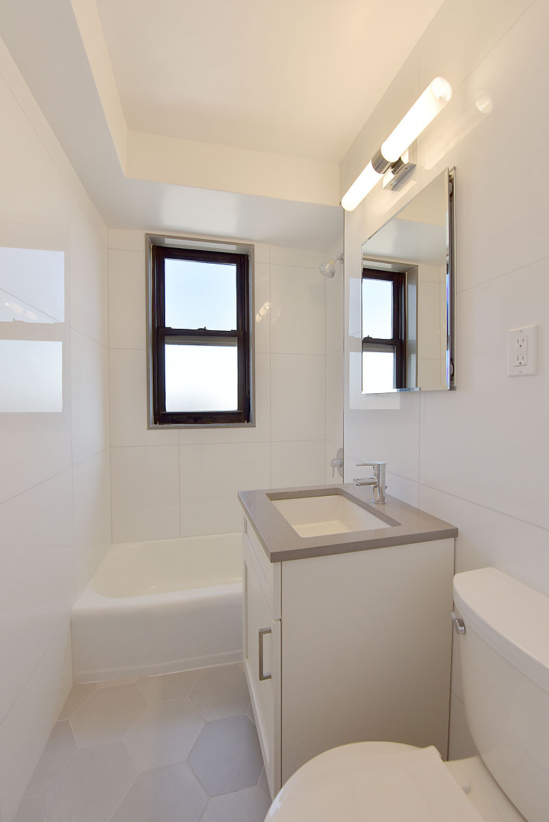 98th_Street_61-15_17E_Bathroom_.jpg