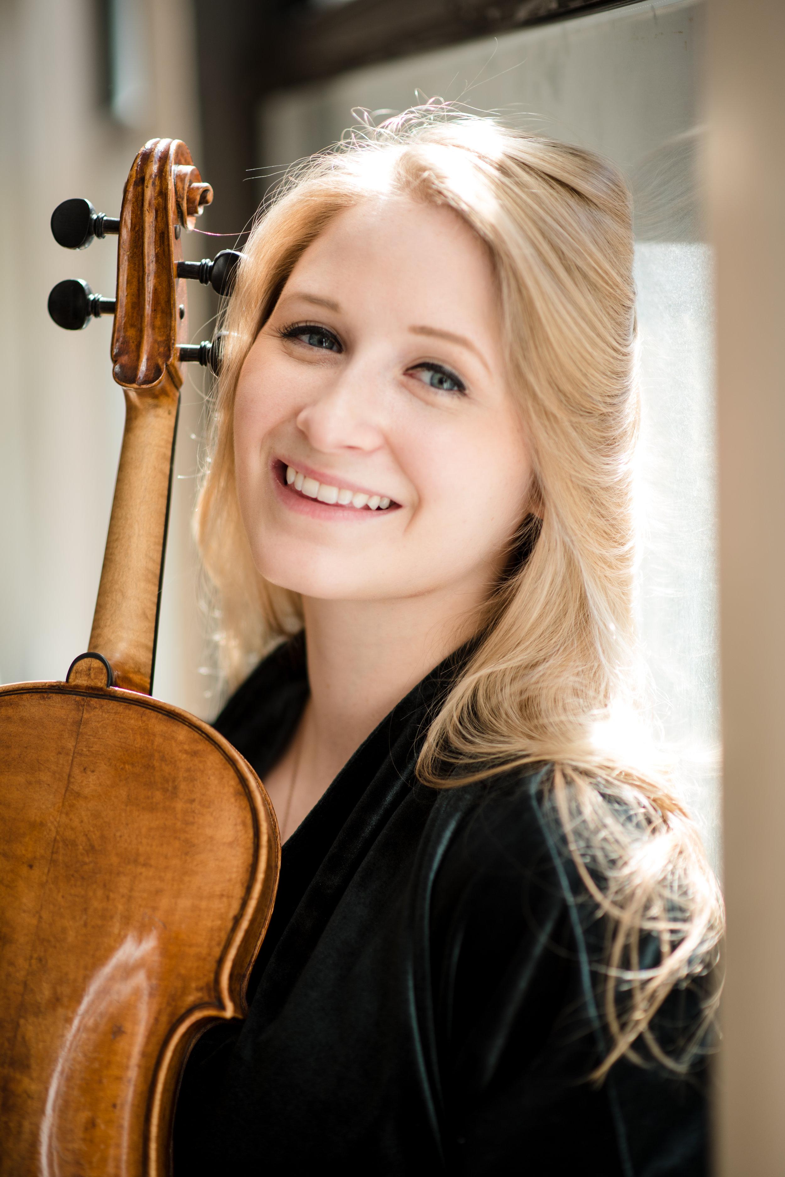 Caeli Smith, violist