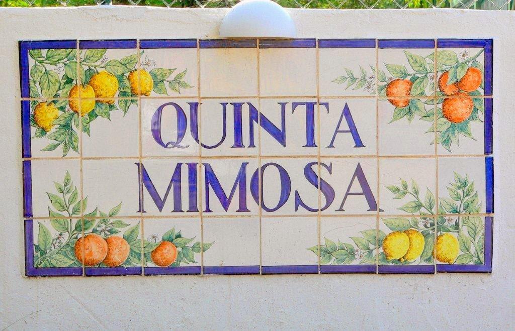 1. Entrance Plaque to Quinta Mimosaa.jpg