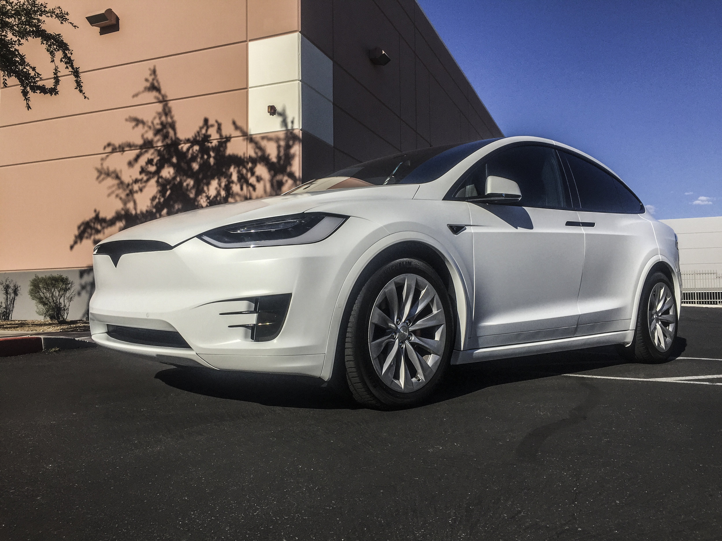 Tesla Model X - All Satin White including Plastics and Chrome Delete