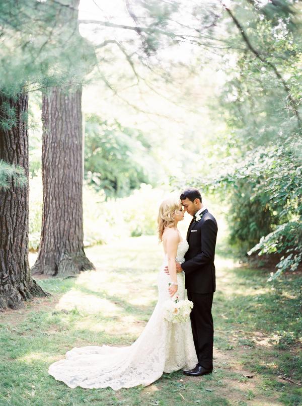 Gracewood-Estate-Wedding-Photographer-Andrew-Mark-Ooh-La-La-Designs_Niagara-Wedding-Florist_Kurtz-Orchard-Wedding-Flowers-12.jpg