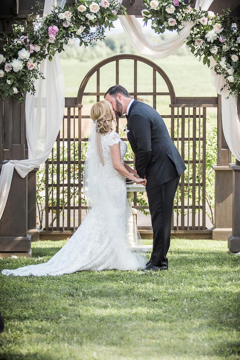 Earth to Table Farm wedding photo kj and co 1340.jpg