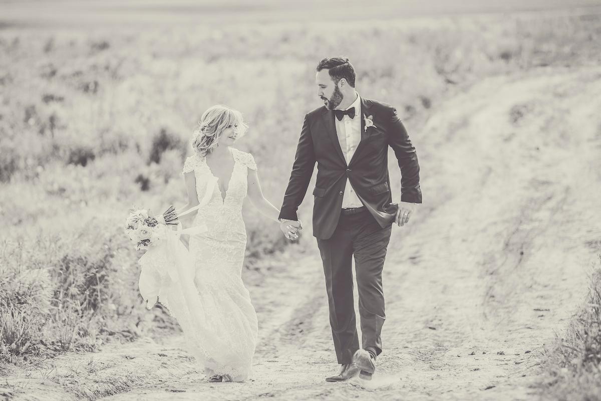 Earth to Table Farm wedding photo kj and co -1432.jpg