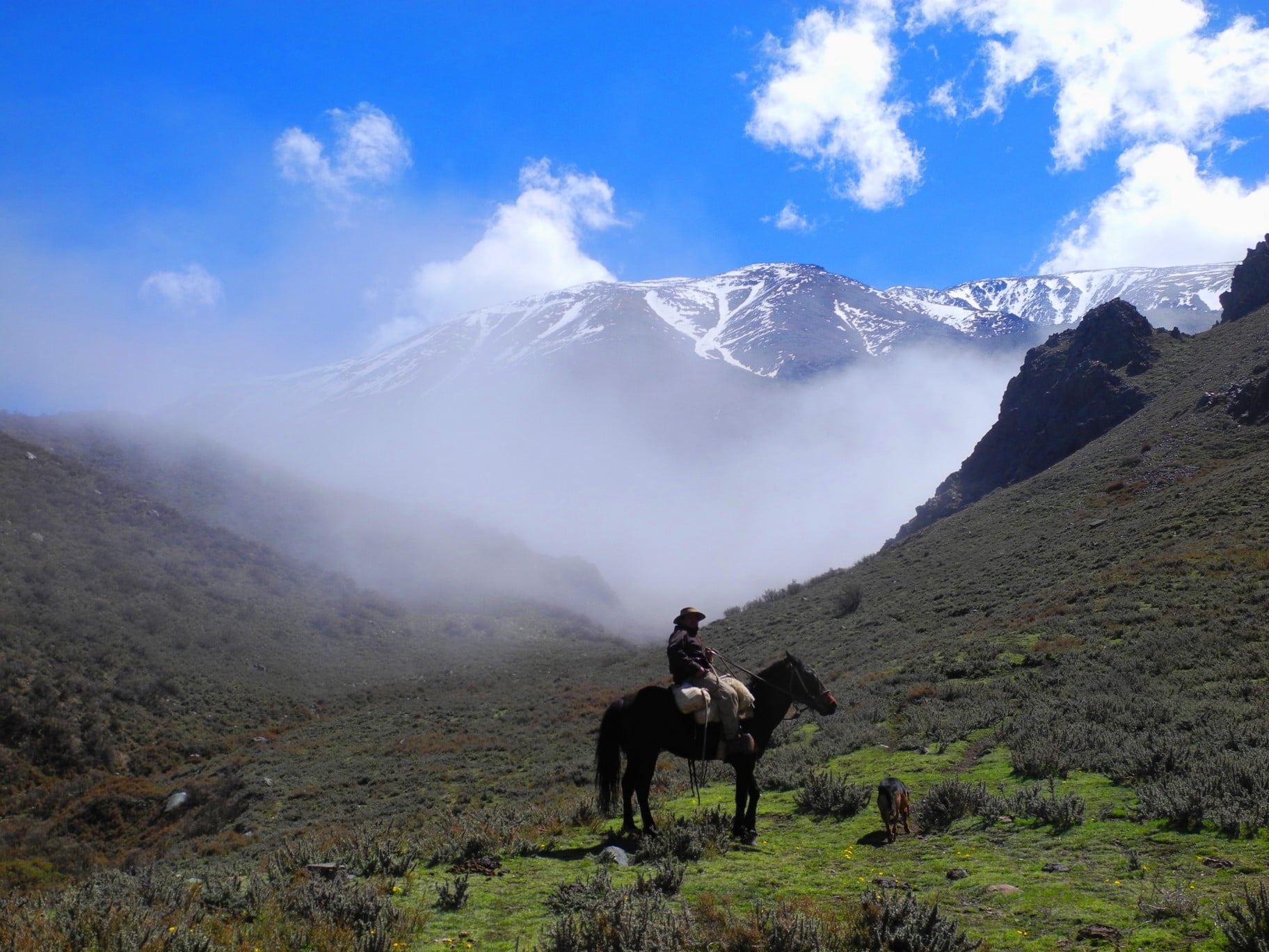 DREAMING OF BREATHTAKING LANDSCAPES?      HIKING      HORSEBACK RIDING      ROAD TRIP EXCURSION