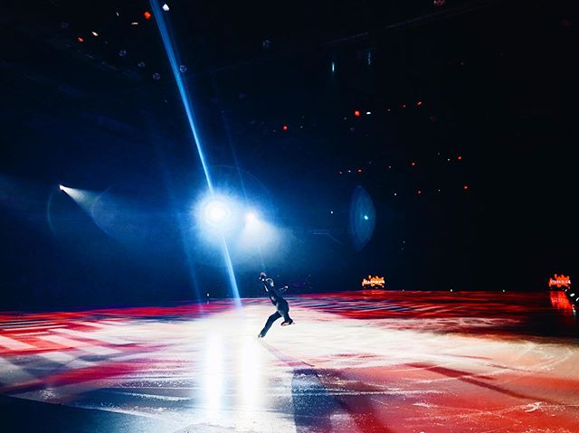 never in a million years did i ever think i'd go on an arena tour with a bunch of olympic & world champion figure skaters, but this year i'm learning a lot about how beautiful life can be when you step outside of your comfort zone. ⛸