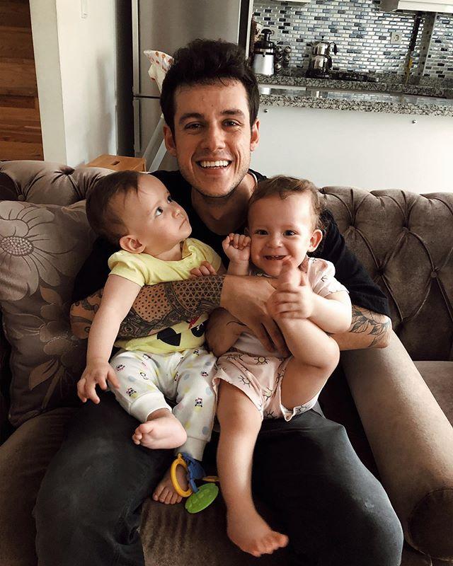 İkiz babası olmak kadar zor bi şey yaptım mı hiç bilmiyorum.. videosu yayında!