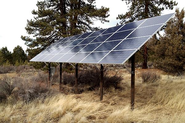 Pole-mounted solar array
