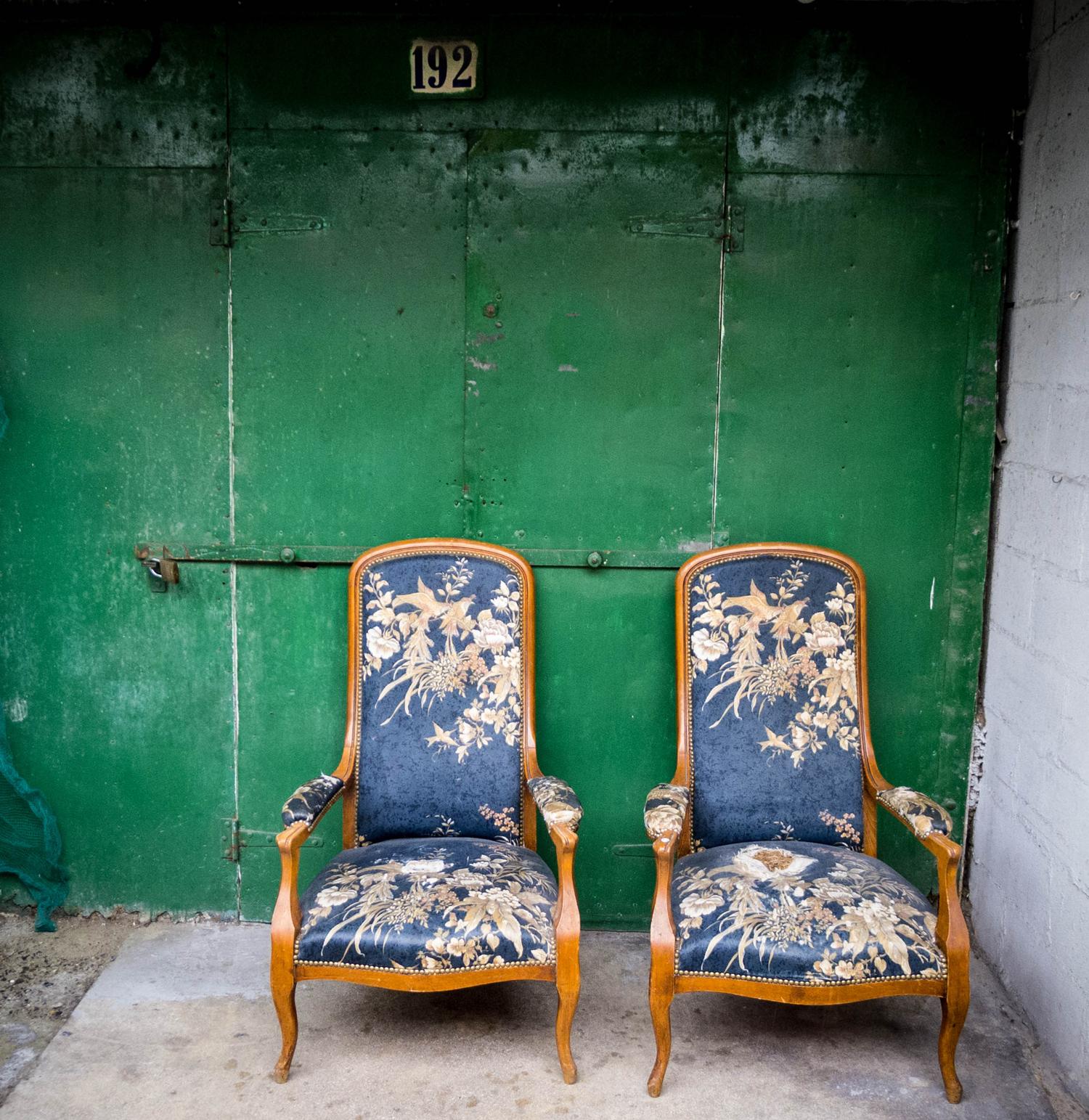 paris_market_chairs.jpg